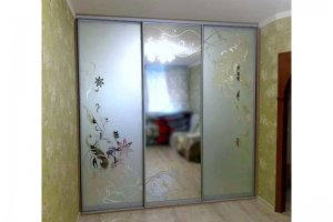 Шкаф-купе с пескоструйным рисунком - Мебельная фабрика «Таита»