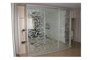 Шкаф-купе с пескоструйным рисунком Розы - Мебельная фабрика «Деталь Мастер»