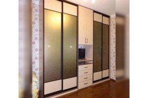 Шкаф-купе с сатинированными зеркальными дверями - Мебельная фабрика «Kupestil»