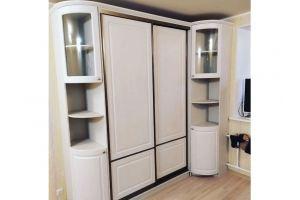 Шкаф-купе с угловыми стеллажами - Мебельная фабрика «Ариани»