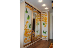 Шкаф-купе с ярким рисунком - Мебельная фабрика «Уют»