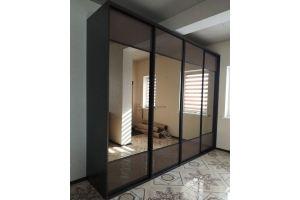 Шкаф-купе темный с зеркалом - Мебельная фабрика «Алгоритм»