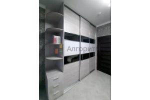 Шкаф-купе трехдверный с консолью - Мебельная фабрика «Алгоритм»