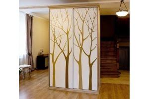 Шкаф-купе в гостиную с деревьями - Мебельная фабрика «ARLINE»