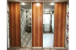 Шкаф-купе встроенный с зеркалом - Мебельная фабрика «Омега»