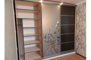 Шкаф-купе зеркало с пескоструйным рисунком  - Мебельная фабрика «Ваша мебель»