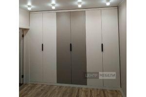 Шкаф распашной встроенный - Мебельная фабрика «ЦЕНТР МЕБЕЛИ»