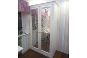 Шкаф распашной зеркальный R027 - Мебельная фабрика «Blessed-Home»