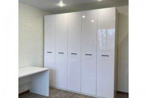 Шкаф с фасадами в глянцевой пленке - Мебельная фабрика «IDEA»