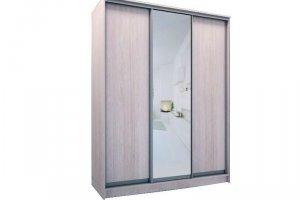 Шкаф трехдверный с одним зеркалом - Мебельная фабрика «Хомма»