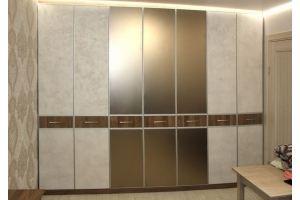 Шкаф в комнату с матовым зеркалом - Мебельная фабрика «Красивый Дом»