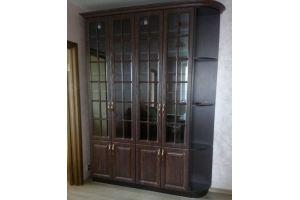 Шкаф витрина 18 21 - Мебельная фабрика «Святогор Мебель»
