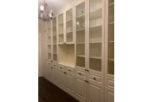 Шкаф витрина с ТВ зоной R016 - Мебельная фабрика «Blessed-Home»