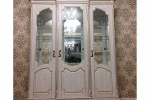 Шкаф-витрина Верона - Мебельная фабрика «Лидер Массив»