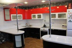 Современная кухня с барной стойкой - Мебельная фабрика «Вся Мебель»