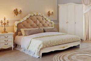 Спальня с кроватью с мягким изголовьем - Мебельная фабрика «Kreind» г. Химки