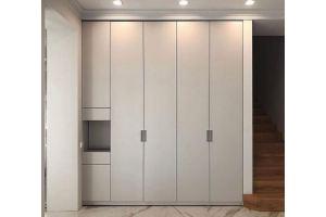 Стильный распашной шкаф - Мебельная фабрика «Люкс-С»