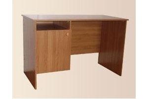Стол однотумбовый с дверкой - Мебельная фабрика «Мартис Ком»