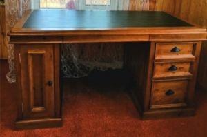 Стол письменный из массива - Мебельная фабрика «Кантри»