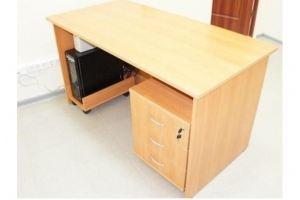Стол письменный офисный - Мебельная фабрика «Амкор»