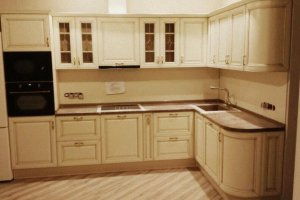Светлая кухня из массива дерева - Мебельная фабрика «Киржачская мебельная фабрика»