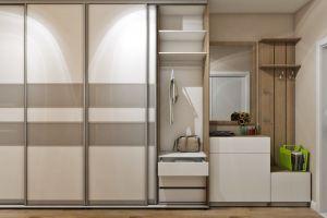 Светлая прихожая со шкафом-купе - Мебельная фабрика «Проспект мебели»