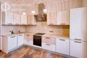 Светлая угловая  КУХНЯ №15 - Мебельная фабрика «Философия мебели»