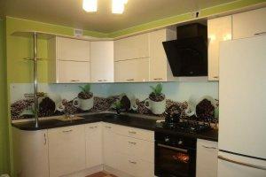 Светлая угловая кухня - Мебельная фабрика «Мебель +5»
