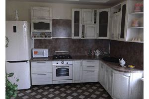 Светлая угловая кухня - Мебельная фабрика «Мебельная мастерская»