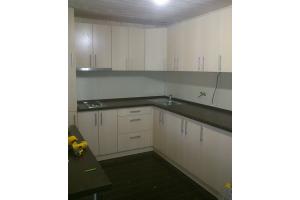 Светлая угловая кухня - Мебельная фабрика «Арт Мебель»