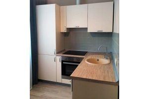 Светлая угловая кухня с мойкой - Мебельная фабрика «Виста»