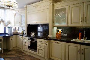 Светлый кухонный гарнитур - Мебельная фабрика «Люкс-С»