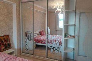 Светлый Шкаф-купе для спальни - Мебельная фабрика «Уют»