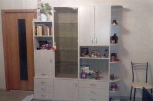 Светлый шкаф с витриной - Мебельная фабрика «Народная мебель»