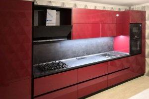 Темная глянцевая кухня 10 - Мебельная фабрика «Вертикаль»