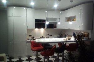 Угловая белая кухня - Мебельная фабрика «Агата»