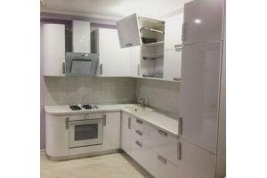 угловая белая кухня - Мебельная фабрика «МиАн»