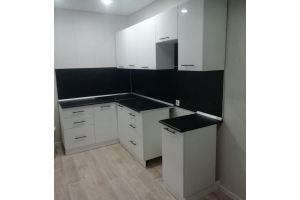 Угловая белая кухня - Мебельная фабрика «Идея комфорта»