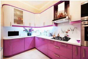Угловая бело-розовая кухня - Мебельная фабрика «Люкс-С»