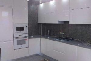 Угловая глянцевая кухня - Мебельная фабрика «ЭльфОла»
