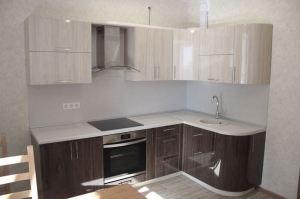 Угловая глянцевая радиусная кухня - Мебельная фабрика «Елиза»