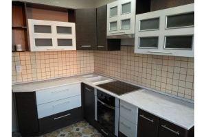 Угловая кухня комбинированные фасады - Мебельная фабрика «Аледо»
