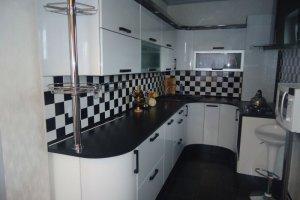 Угловая кухня Эмаль радиусные фасады - Мебельная фабрика «Ваша мебель»