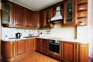 Угловая кухня массив - Мебельная фабрика «Lakma»