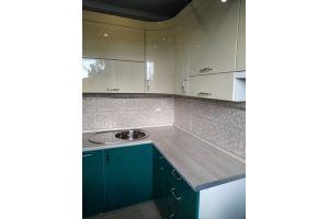 Угловая кухня с эмалированными фасадами - Мебельная фабрика «ВладМебСтрой»