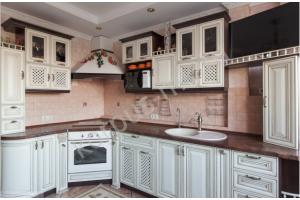 Угловая кухня с фасадами из дуба - Мебельная фабрика «Корпус»