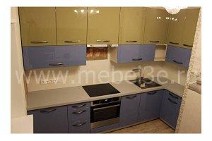 Угловая кухня с каменной столешницей - Мебельная фабрика «ТРИ-е»
