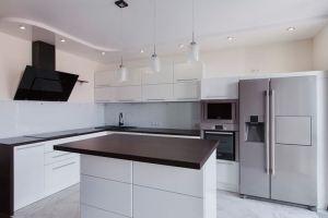 Угловая кухня с островом - Мебельная фабрика «OtiS+»