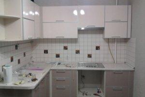 Угловая кухня в бежевых тонах - Мебельная фабрика «Астро»