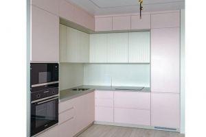 Угловая кухня в розовой эмали - Мебельная фабрика «VELDE»